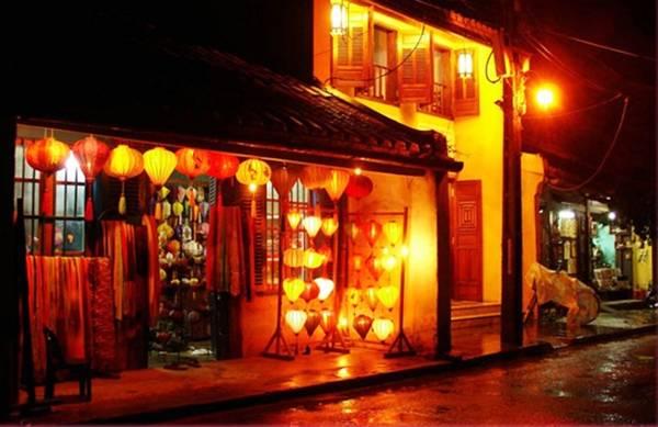 Đèn lồng là một trong những đặc trưng tại phố cổ Hội An.