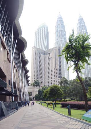 Tháp đôi Petronas ở khu KLCC tại thủ đô Kuala Lumpur.