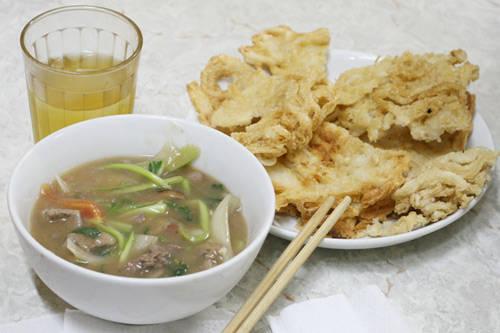 Phở rán 206 Khâm Thiên, Hà Nội