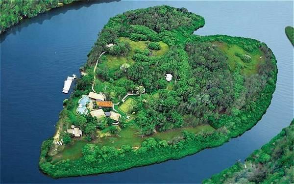 Makepeace_Island