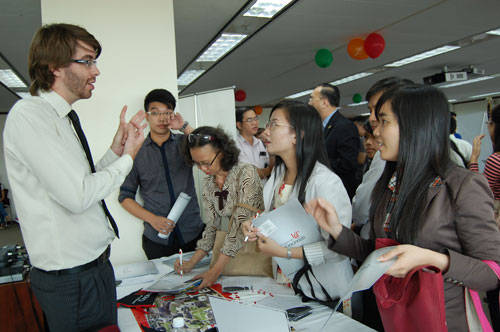 Một buổi tư vấn du học và xin visa tại Lãnh sự quán Mỹ ở TP.HCM - Ảnh: Hoàng Quyên