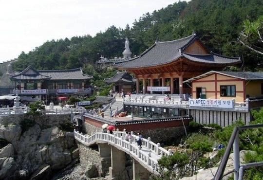 korea-Haedong-Yonggungsa-Temple