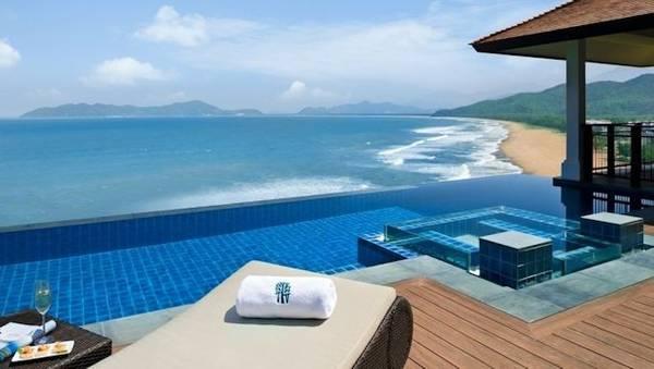 Banyan-Tree-Lang-Co-villa-pool