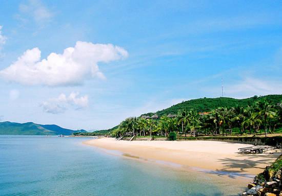 Đảo Hòn Tằm với những bãi biển đẹp thơ mộng
