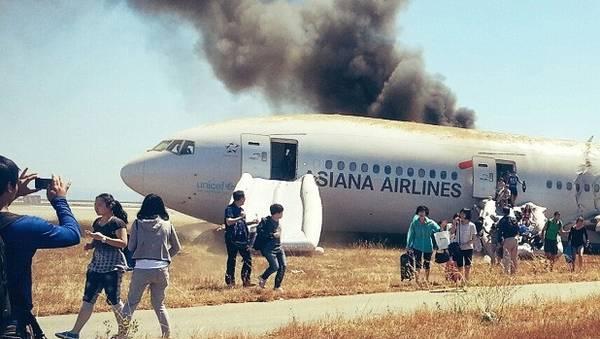 130709155327-asiana-baggage-evacuees-story-top