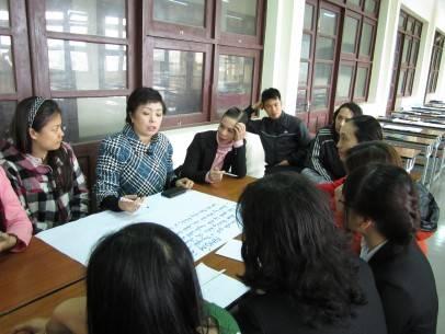Các học viên ở Lâm Đồng đang thảo luận về chủ đề đào tạo nhân lực.