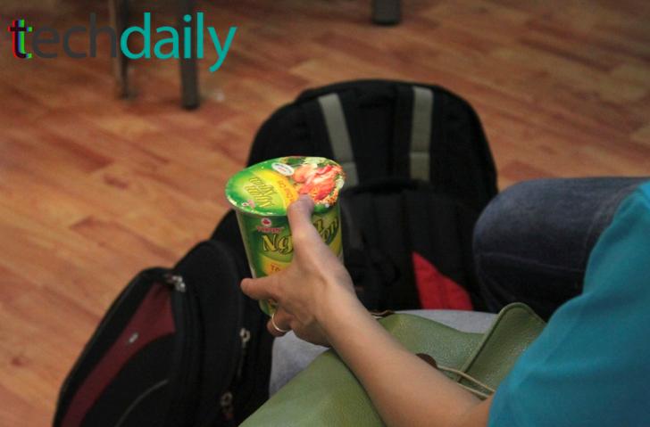 Các nhóm được Ban tổ chức chuẩn bị đồ ăn, mỳ gói, hoa quả, nước uống, cafe v.v… – Ảnh: Techdaily.vn