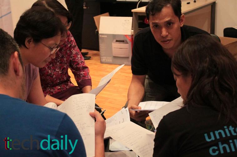 BGK cùng họp để thống nhất tìm ra đội thắng cuộc – Ảnh: Techdaily.vn