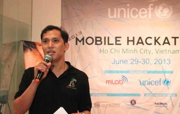 """""""Chúng tôi sẽ tiếp tục hỗ trợ để biến các ý tưởng này thành hiện thực và tạo ra tác động thực sự đến cuộc sống của trẻ em,"""" ông Trần Tuấn Anh, giám đốc mLab Đông Á – Ảnh: Techdaily.vn"""