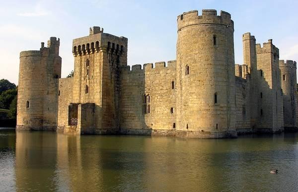 Lâu đài Bodiam, phía Đông Sussex, Anh