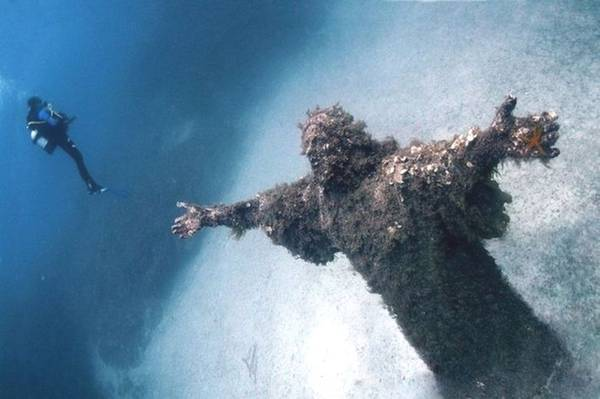 Christ of the Abyss, San Fruttuoso, Ý