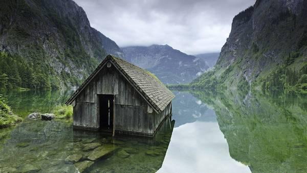 Ngôi nhà câu cá trên mặt hồ, công viên quốc gia Berchtesgaden , Đức