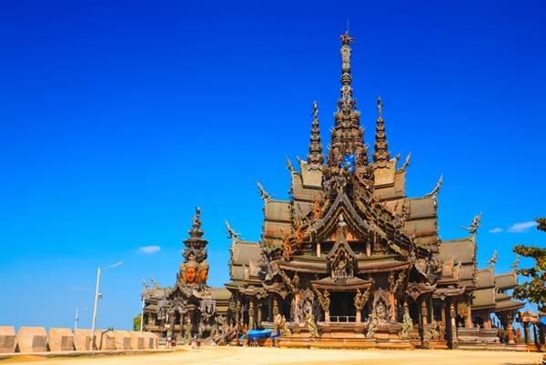 Lâu đài bằng gỗ không có đinh ở Pattaya