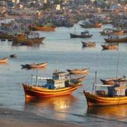 Fishing-boats-at-sunset-Mui-Ne