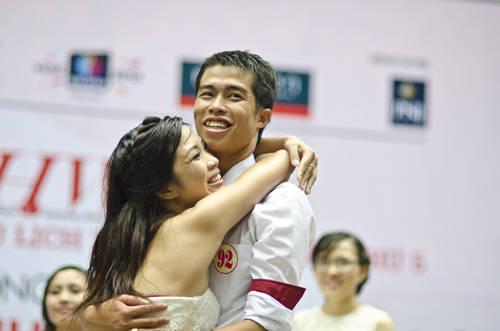 Cuối cùng, cặp đôi công an Nguyễn Tiến Dũng và Ngô Thị Thu Thảo đến từ Bắc Ninh đã giành được giải nhất của chương trình là chuyến du lịch Malaysia trị giá 3.000 USD.