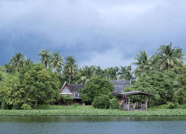 Nước tràn vào mùa mưa ở Thái Lan (Ảnh: JM Travel Photography via Shutterstock)