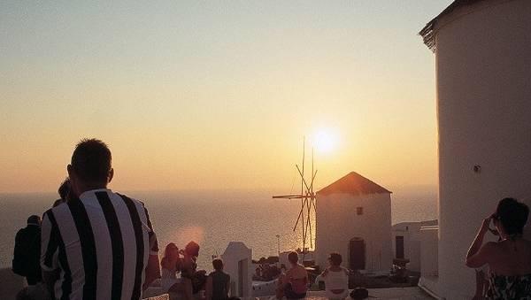 sunsets-santorini-horizontal-gallery