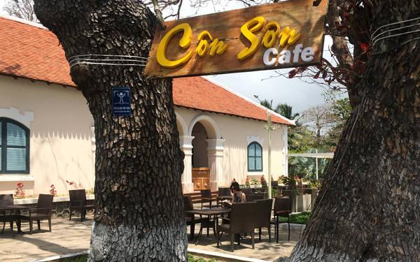 Quán cà phê Côn Sơn có view rất đẹp. Ảnh: Linh Hương