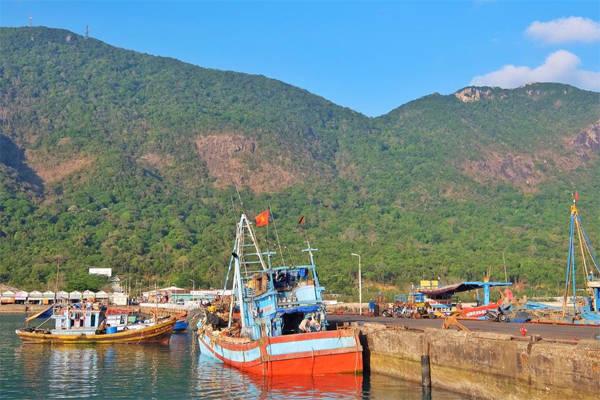 Cảng Bến Đầm là nơi tập kết tàu bè. Ảnh: Thiện Nguyễn