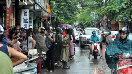 Mua bánh trung thu cổ truyền ở Hà Nội