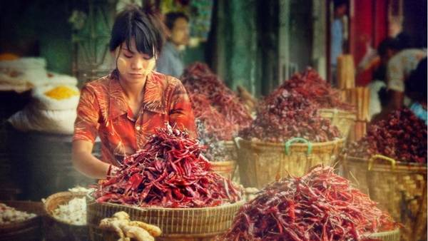 Chợ lề đường ở Yangon, Myanmar