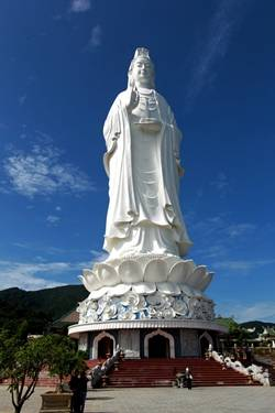 Du lịch Đà Nẵng - Tượng Phật Quan Âm cao nhất Việt Nam ở chùa Linh Ứng, niềm tự hào của du lịch Đà Nẵng