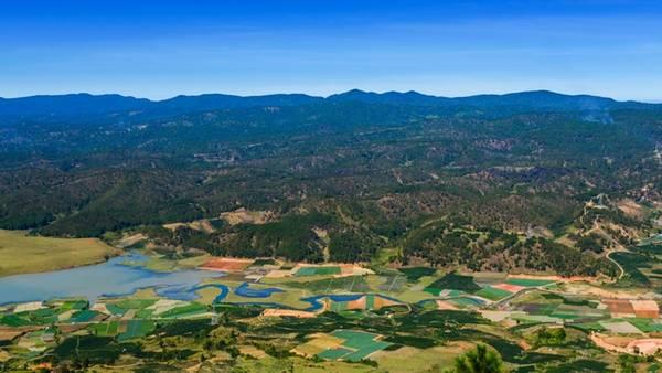 Cảnh nhìn từ đỉnh Lang Biang, điểm tham quan nổi tiếng của du lịch Đà Lạt