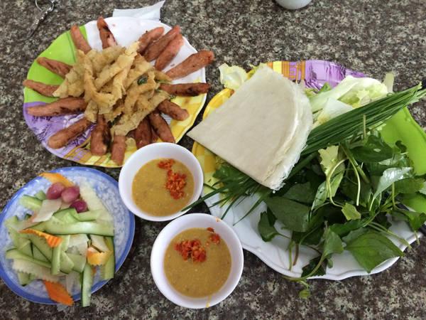Một phần ăn nemnướng Bà Hùng. Ảnh: Traveltimes.vn