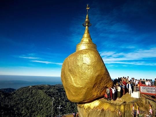Chùa Núi Vàng Kyaiktiyo