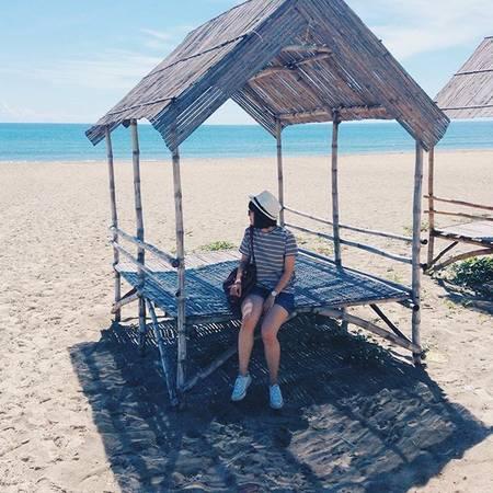 Biển ở Huế còn rất hoang sơ. Ảnh:@tminhanh_