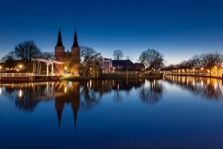 Vẻ đẹp cổ kính, đồ sộ của tòa thị sảnh Delft.