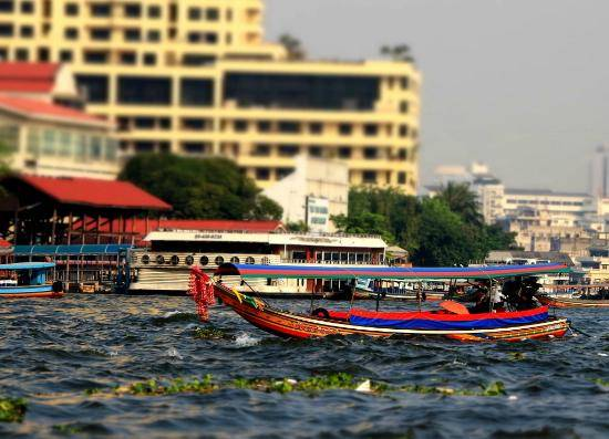 Taxi trên sông ở Thái Lan