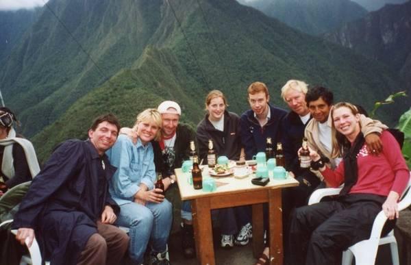 Họ là những người đã gặp nhau trong chuyến du lịch đi bộ đường dài ở tàn tích Machu Picchu.