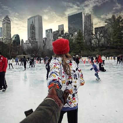 """""""Follow me to"""" khu trượt băng tại công viên trung tâm - central park tại New York, có ở Instagram của Osmann vào ngày 26/12/2013."""