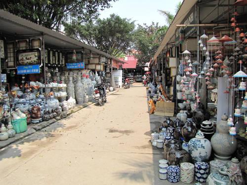 Làng gốm Bát Tràng với rất nhiều sản phẩm đẹp
