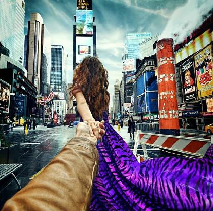 """""""Follow me to"""" Quảng trường thời đại, New York, Mỹ, post lên Instagram của Osmann vào ngày 27/6/2013."""