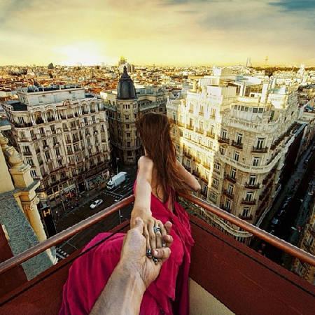"""""""Follow me to"""" mái khách sạn Praktik tại Madrid, Tây Ban Nha, lên Instagram của Osmann ngày 22/11/2013."""