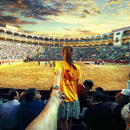 """""""Follow me to"""" một trận đấu bò, Tây Ban Nha, lên Instagram của Osmann vào ngày 26/9/2013."""