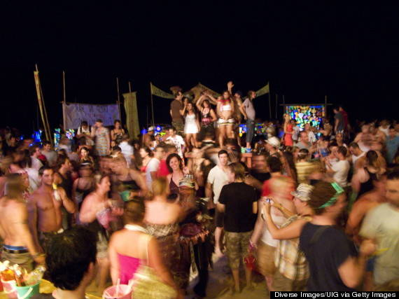 o-FULL-MOON-PARTY-THAILAND-570