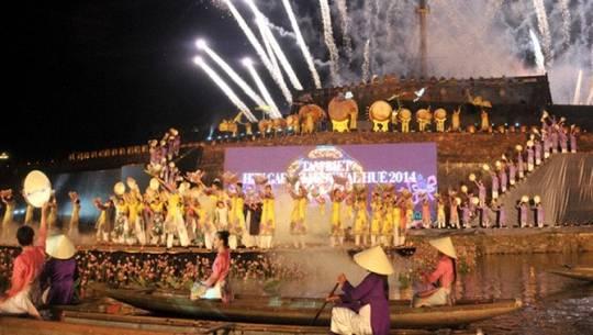 festival-hue-featured-ivivu