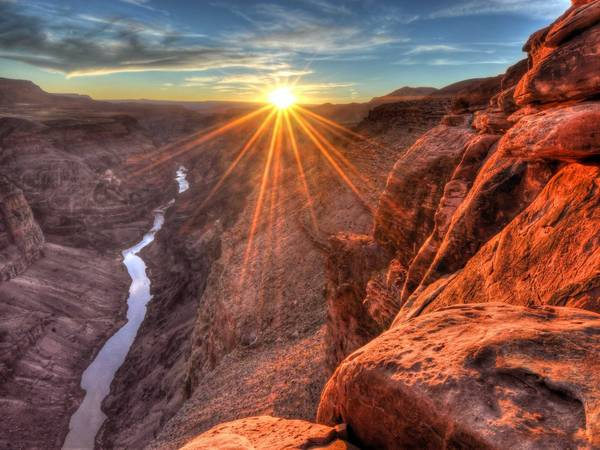 ivivu-snap-the-ultimate-tourist-shot-at-the-grand-canyon-in-arizona