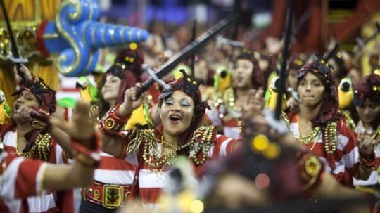 long-lay-sac-mau-carnival-rio-de-janeiro-ivivu8