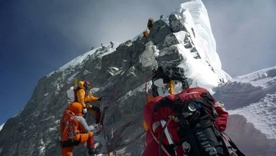 NEPAL-EVEREST-CLIMBING-ANNIVERSARY-FILES