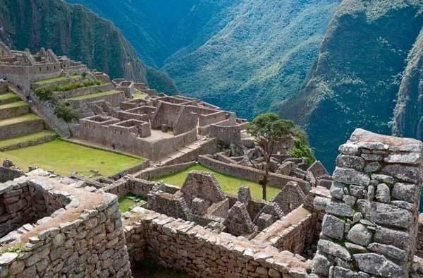 Thành phố Machu Picchu bí ẩn khiến du khách thích thú
