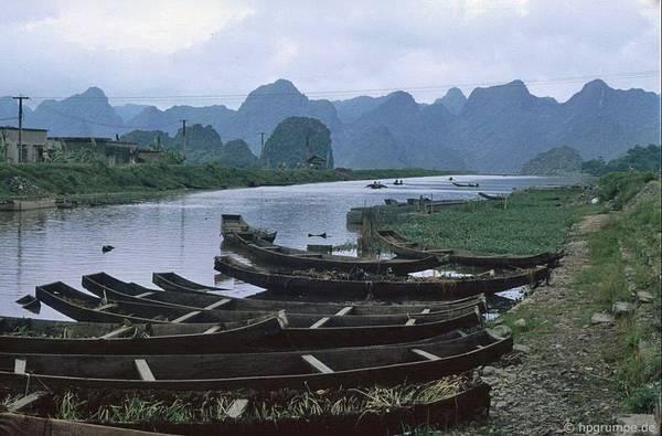 Những chiếc thuyền trên Bến Đục, Chùa Hương