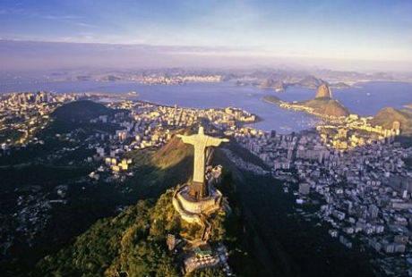 Tượng chúa Kitô cứu thế nổi tiếng tại Brazil