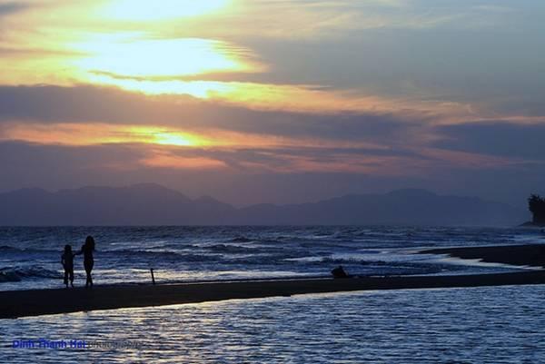 Hoàng hôn trên biển Hồ Tràm