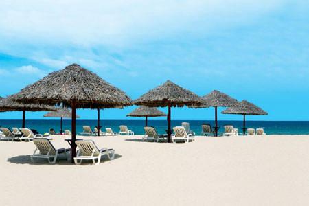 lan-bien-o-furama-resort-ivivu4