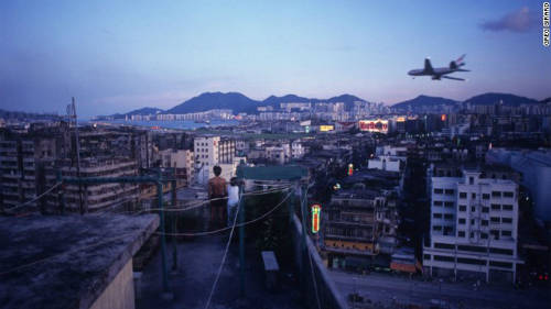 Khu ổ chuột Cửu Long Thành cách đây 20 năm