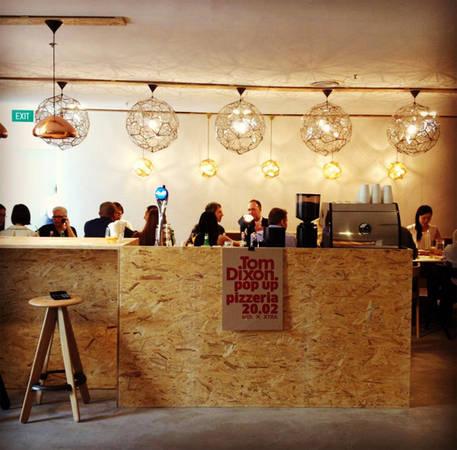 quan-cafe-chat-singapore-10-ivivu